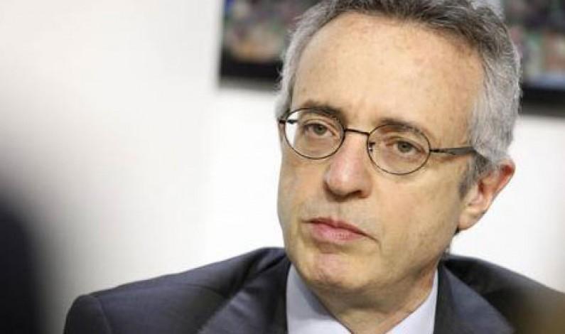 """Ministro Catania: attiva Interpol su tracciabilità """"Wine Kit"""" Made in Italy"""