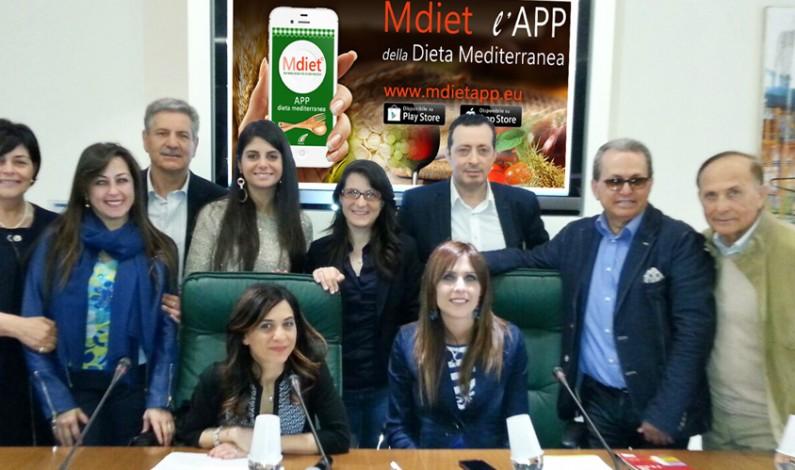 """""""Prevenzione è Salute"""" il tema dei lavori dell'ENS. Presentata l'APP della Dieta Mediterranea """"Mdiet"""""""