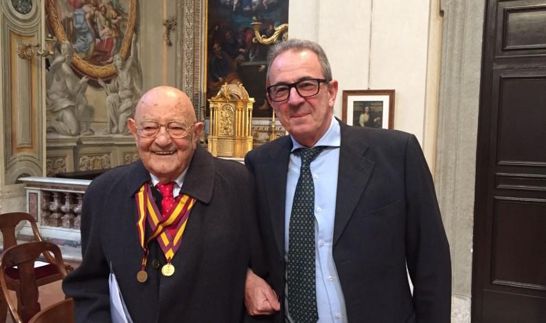 Al Professor Alberto Fidanza la 10° medaglia d'oro per meriti accademici