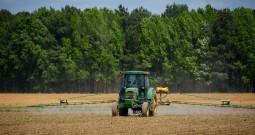 L'Europa si è impegnata a ridurre l'uso dei pesticidi. Ma cosa ha fatto finora?